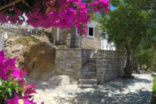 cottage villa ariadni exterior