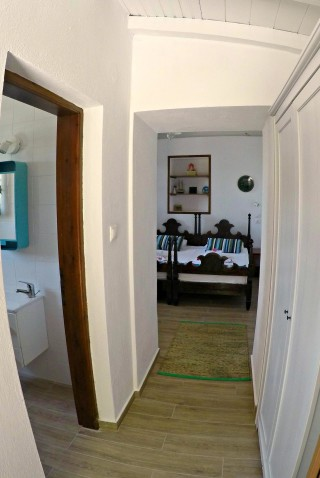 cottage villa ariadni room