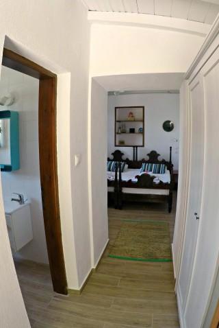 cottage villa ariadni room