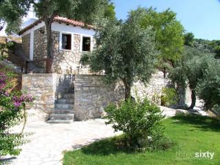 facilities villa ariadni garden