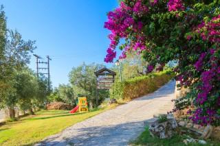 facilities villa ariadni playground