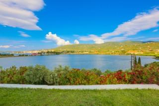 location villa ariadni the lake
