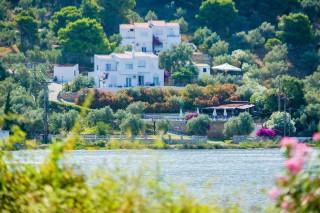 villa ariadni location lake view - 01